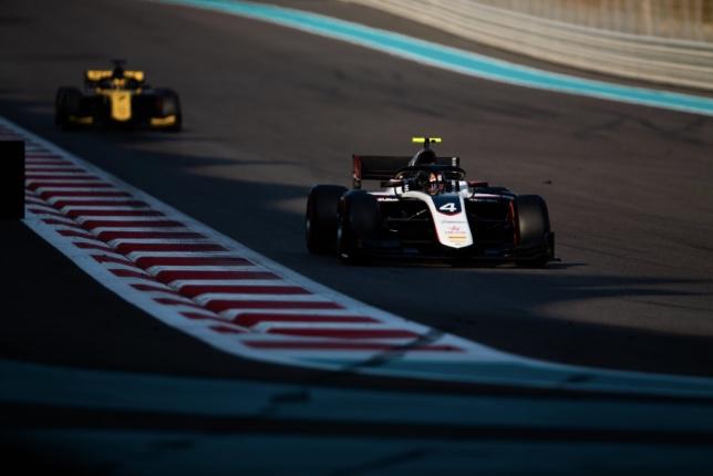 В Абу-Даби продолжаются тесты Формулы 2