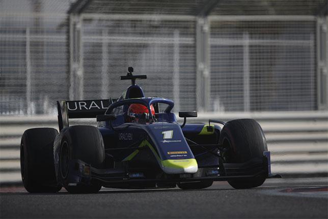 Никита Мазепин на трассе Яс-Марина во время заключительного дня тестов Формулы 2