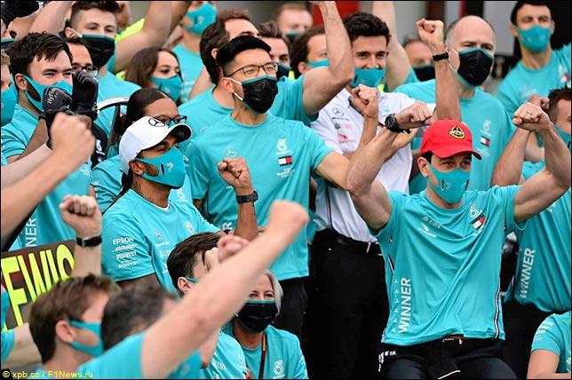 В 2020-м в Mercedes досрочно завоевали Кубок конструкторов на Гран При Эмилии-Романьи