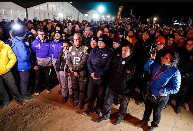 Вечером в воскресенье все участники Дакара собрались на скорбную церемонию, посвящённую Пауло Гонсалвешу
