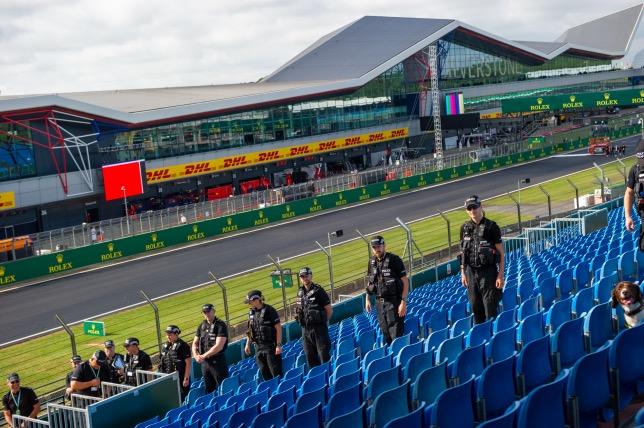 В этом году в Сильверстоуне принимаются беспрецедентные меры безопасности, фото northants.police.uk