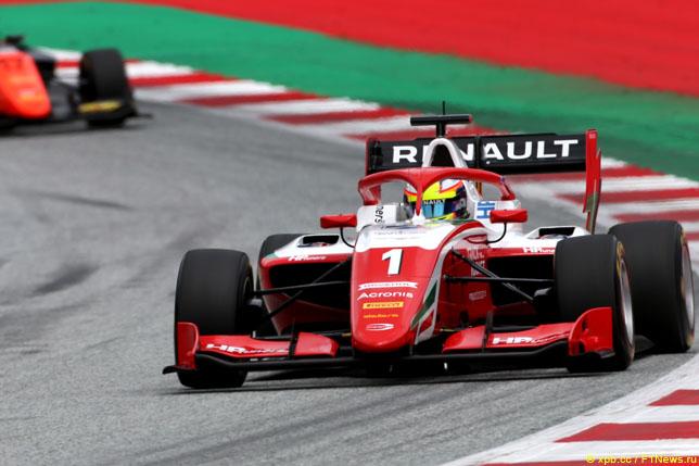 Ф3: Оскар Пиастри выиграл первую гонку сезона