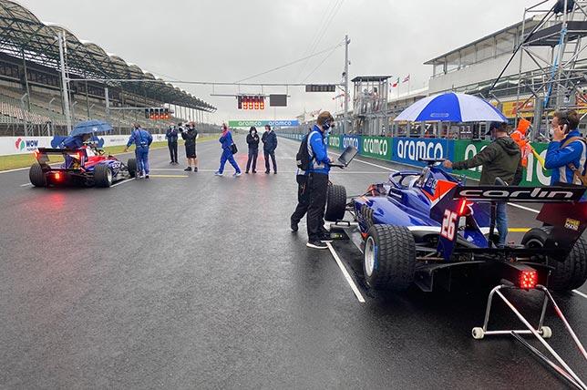 Перед стартом гонки Формулы 3. Фото: пресс-служба Carlin