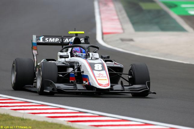 Александр Смоляр одержал первую победу в Формуле 3
