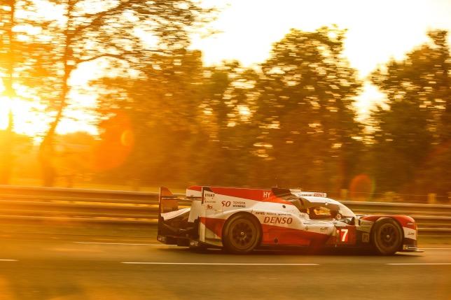 Ле-Ман: Toyota лидирует после пяти часов гонки