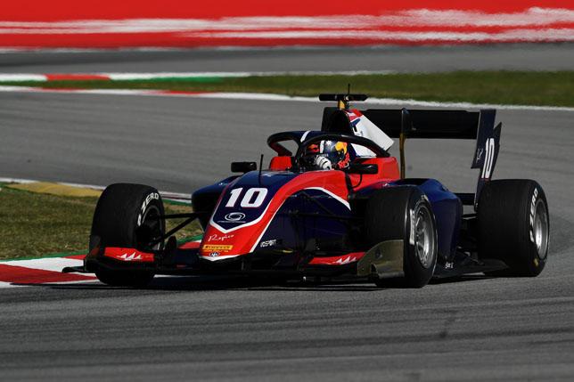 Формула 3: В Барселоне завершился первый день тестов