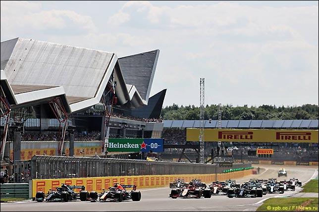 Старт Гран При Великобритании 2021