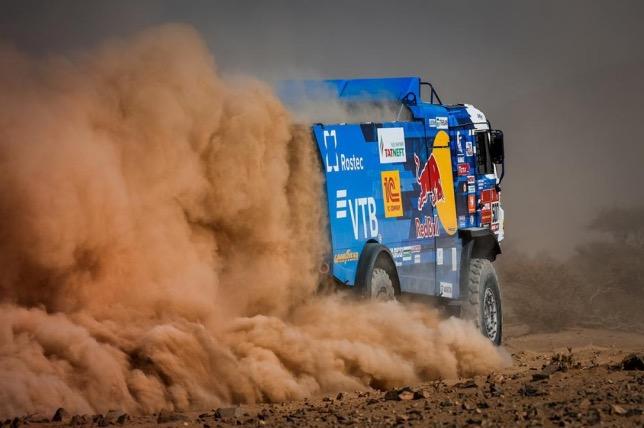 Дакар: Экипаж Сотникова одержал победу на этапе