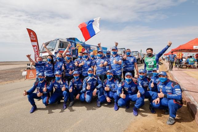 Команда КАМАЗ-мастер, победители Дакара, фото пресс-службы КАМАЗ-мастер