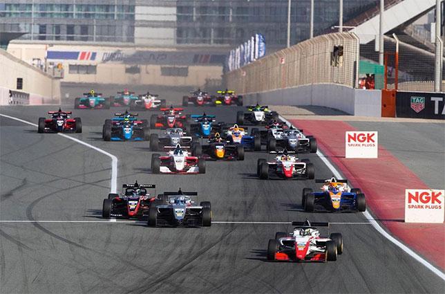 Старт первой гонки сезона в азиатской Формуле 3, фото пресс-службы серии
