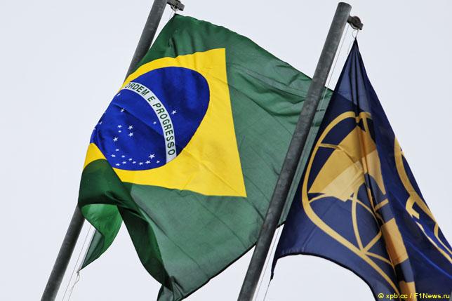 Флаги Бразилии и FIA