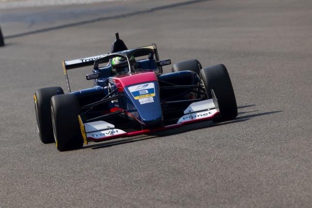 Ф3 Азия: Шове выиграл гонку, Дарувала вышел в лидеры