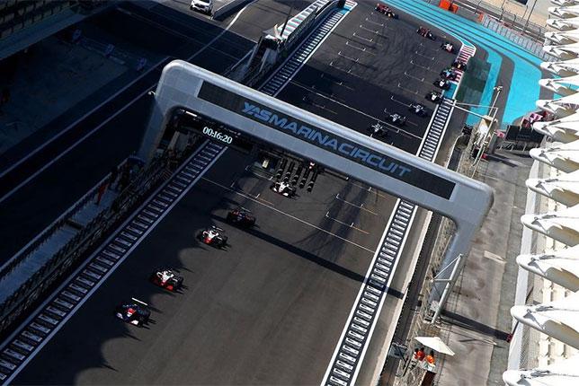 Пьер-Луи Шове лидирует в гонке Азиатской Формулы 3