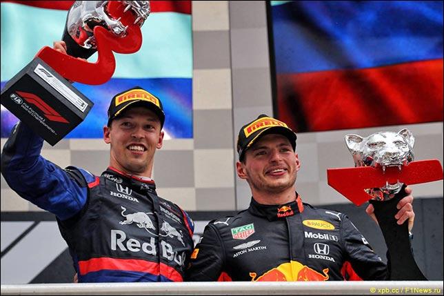 Даниил Квят и Макс Ферстаппен на подиуме Гран При Германии