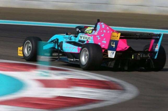 Патрик Пасма на трассе в Абу-Даби, фото команды Evans GP