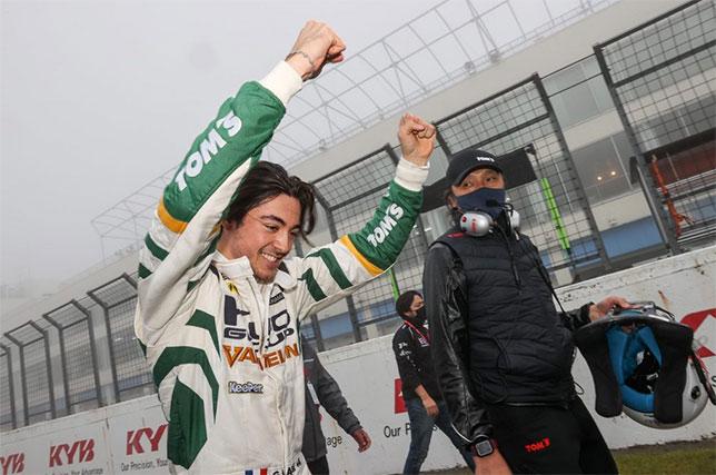 Super Formula: Алези выиграл сложную дождевую гонку