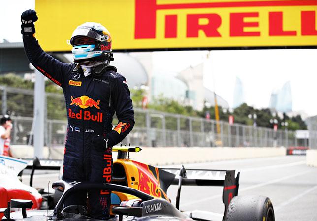 Юри Випс - победитель воскресной гонки в Баку, фото Формулы 2