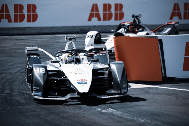 Формула E: Мортара выиграл гонку и возглавил чемпионат