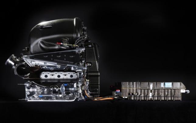 В Mercedes хотели бы сохранить привычную концепцию силовой установки, фото пресс-службы Mercedes