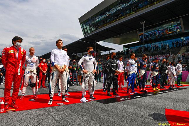 Гонщики перед стартом Гран При Австрии
