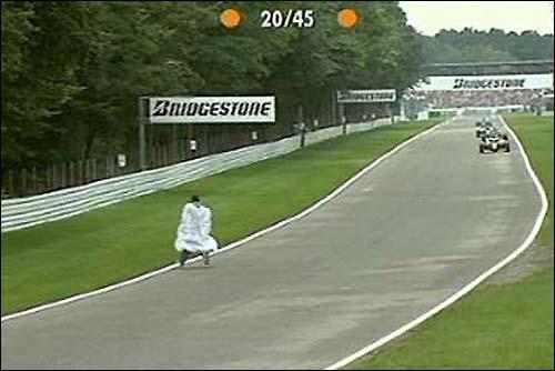Гран При Германии'00: Человек в белом плаще