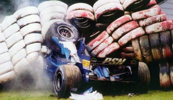 Авария Лучано Бурти на Гран При Бельгии 2001 года