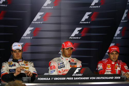 Слева направо: Нельсон Пике (Renault), Льюис Хэмилтон (McLaren Mercedes), Фелипе Масса (Ferrari)