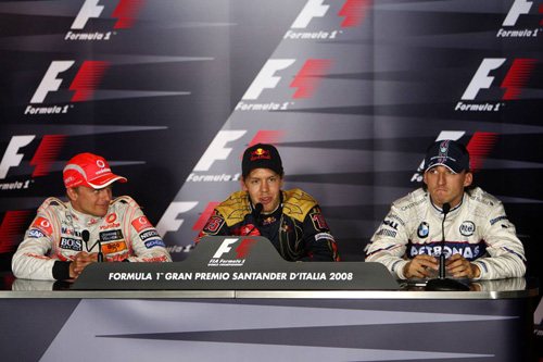 Слева направо: Хейкки Ковалайнен (McLaren Mercedes), Себастьян Феттель (Toro Rosso), Роберт Кубица (BMW Sauber)