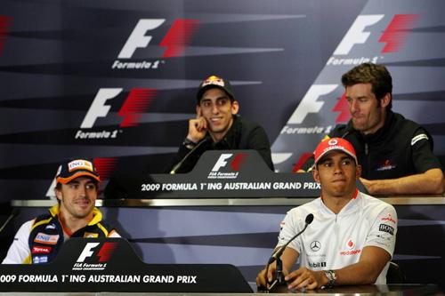 Слева направо: первый ряд - Фернандо Алонсо, Льюис Хэмилтон. второй ряд - Себастьен Буэми, Марк Уэббер