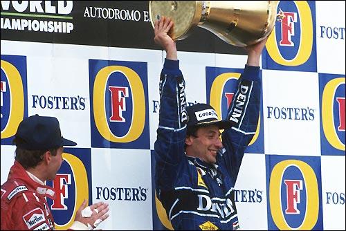 Риккардо Патрезе на подиуме Гран При Сан-Марино'90