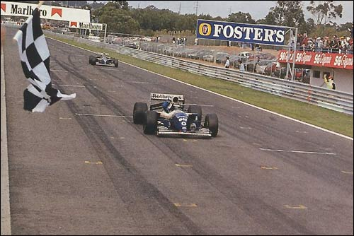 Деймон Хилл и Дэвид Култхард на финише Гран При Португалии'94