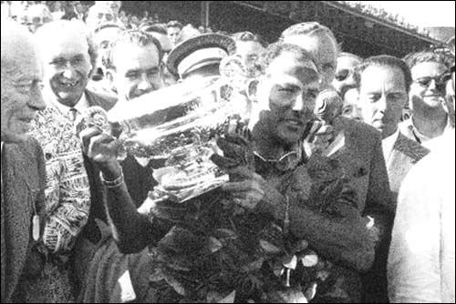 Стирлинг Мосс, победитель Гран При Великобритании'55