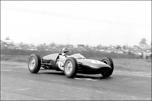 Иннес Арленд на пути к победе в Гран При США 1961 года