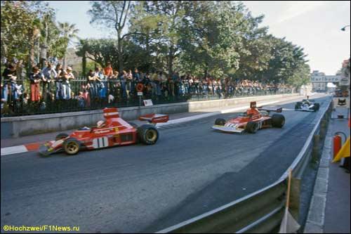 Клей Регаццони и Ники Лауда лидируют в дебюте Гран При Монако 1974 года
