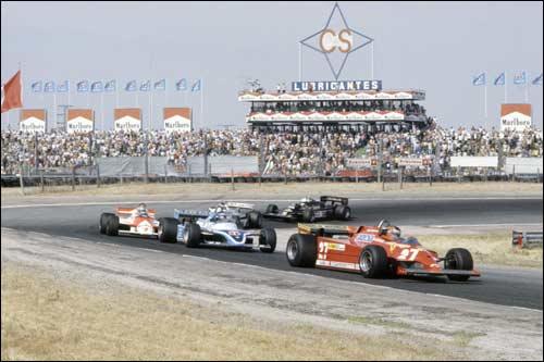 Жиль Вильнев опережает квартет соперников на финише Гран При Испании 1981 года