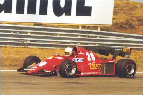 Победитель Гран При Голландии 1983 года Рене Арну