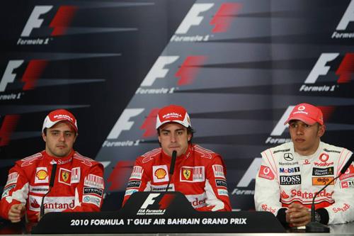 Слева направо: Фелипе Масса, Фернандо Алонсо, Льюис Хэмилтон