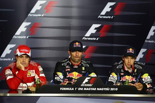Слева направо: Фернандо Алонсо, Марк Уэббер, Себастьян Феттель