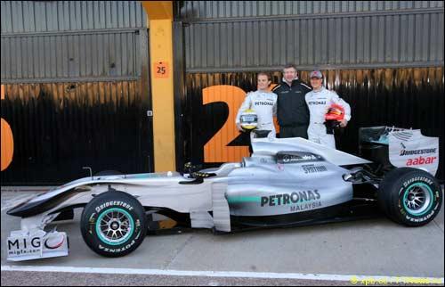 Нико Росберг, Росс Браун и Михаэль Шумахер и Mercedes W01