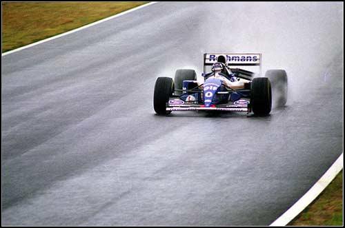 Победитель Гран При Японии 1994 года Дэймон Хилл