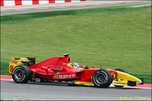 Дани Клос за рулем машины Racing Engineering. 2009 год.