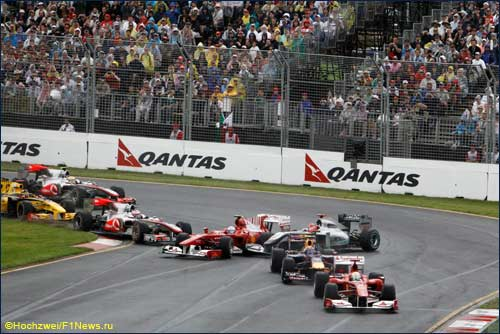 Авария на старте Гран При Австралии