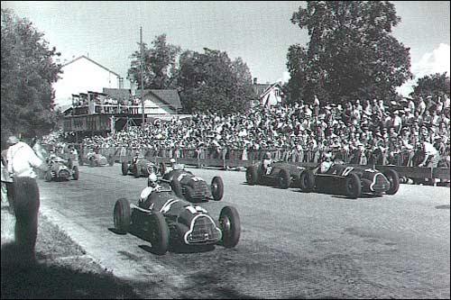 Хуан Мануэль Фанхио лидирует на старте Гран При Швейцарии 1950 года