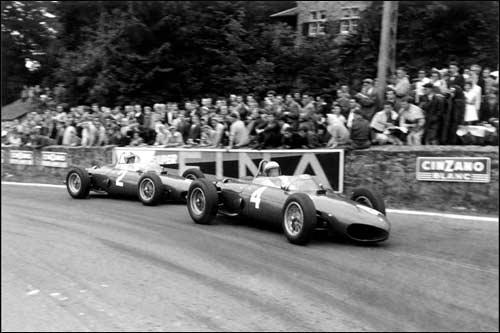 Борьба Фила Хилла (№2) и Вольфганга фон Трипса за победу в Гран При Бельгии 1961 года