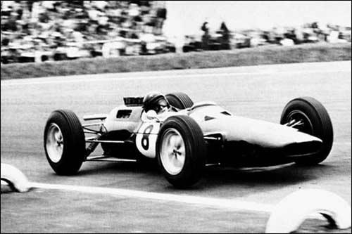 Победитель Гран При Мексики 1963 года Джим Кларк