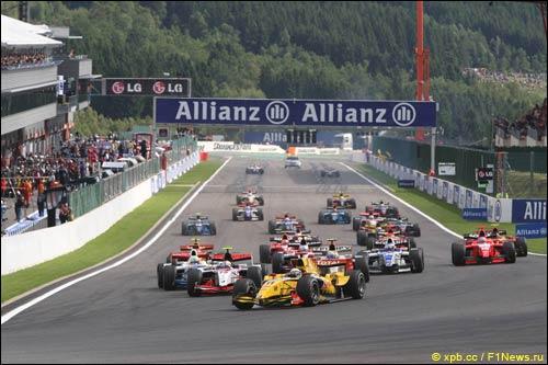 Старт гонки GP2
