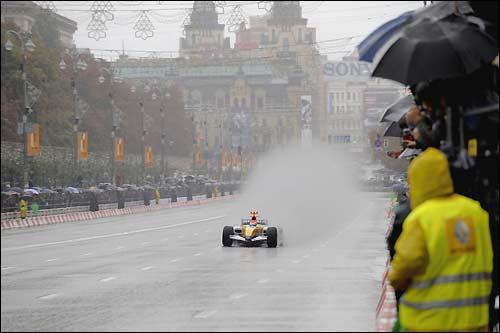 Формула 1 уже приезжала в Киев - но пока только для шоу-заездов в центре города