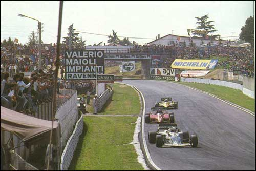 Brabham Риккардо Патрезе, Ferrari Патрика Тамбэ и Renault Алена Проста на трассе Гран При Сан-Марино 1983 года