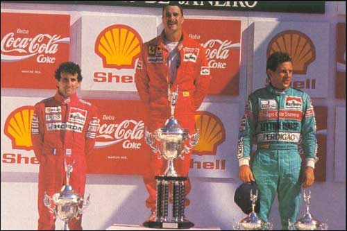 Ален Прост, Найджел Мэнселл и Маурисио Гужельмин на подиуме Гран При Бразилии 1989 года