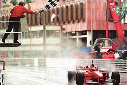 Победитель Гран При Монако 1997 года Михаэль Шумахер